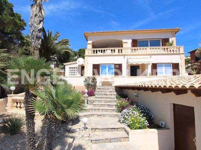 View of a beautiful villa in Cala Ratjada