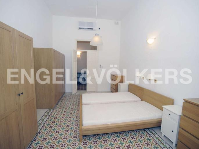 Furnished 2 Bedroom Apartment