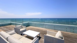 Brand new villa frontline beach in Costabella