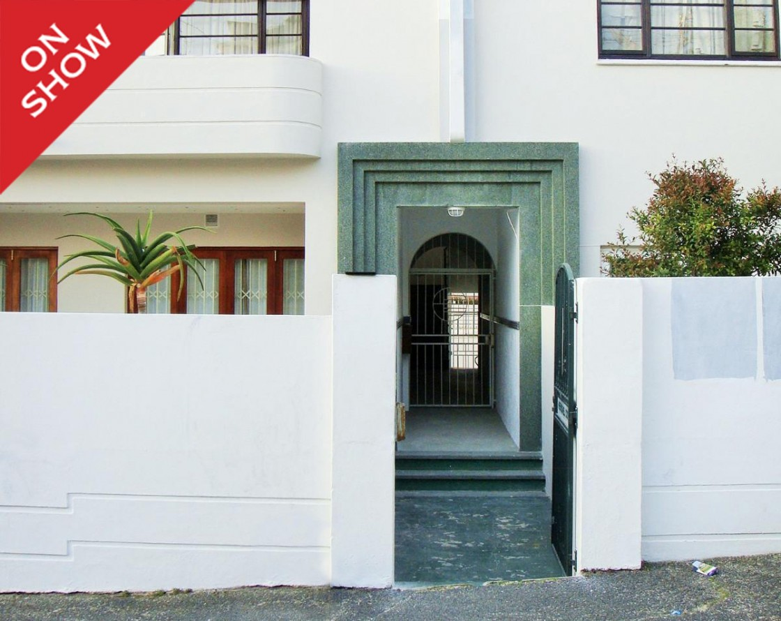 apartment for sale fresnaye cape town