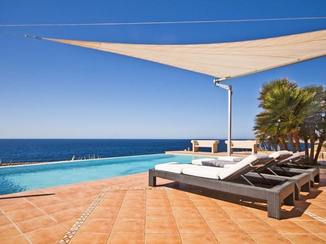 Terrace of a villa in Llucmajor with views of the sea