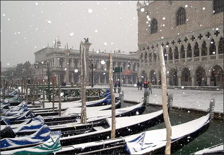 Snowing in Venice