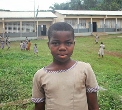 From the start, Nicole Abra Kebovi was part of the E&V primary school project in Togo. She is now in the fifth grade.