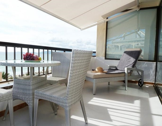 Designer penthouse overlooking the sea (Palma)