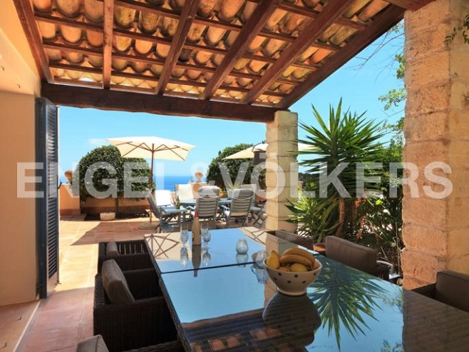 Terrace of a property with a sea view (Canyamel)