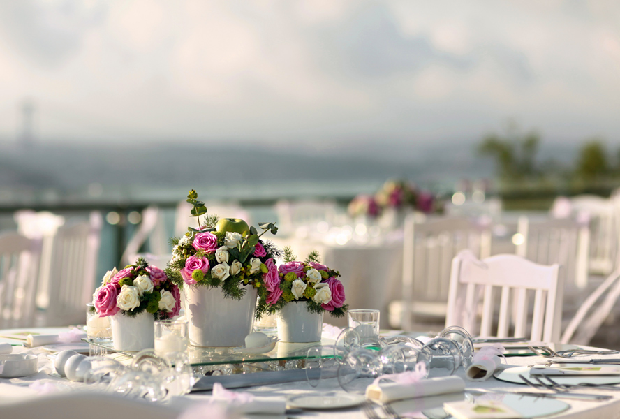 Host the perfect wedding party in your own home