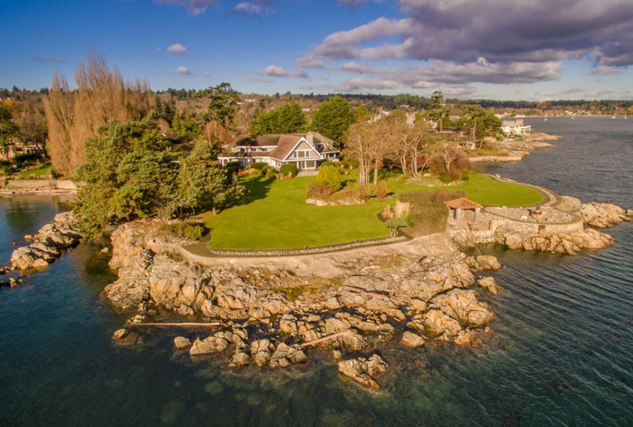 Tips on how to buy a waterfront estate