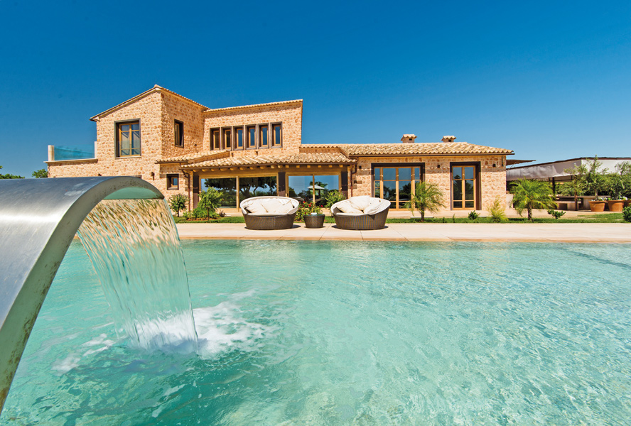 Living on Mallorca: from classical finca to modern villa