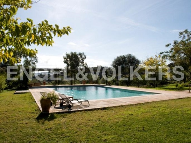 House with pool and large garden (Artá)
