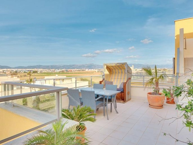 Penthouse with a large roof terrace (El Molinar)