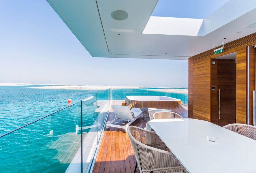 Architectural Trends: Luxury Living on the Water