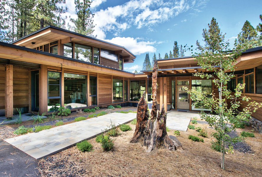Modern mountain home in Truckee