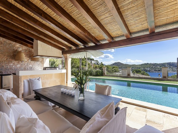 Villa with terrace, pool and sea view (Camp de Mar)