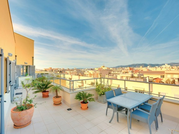 Penthouse with stunning views over El Molinar