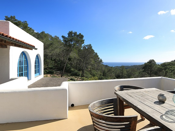 Finca with terrace and a sea view (San Carlos)