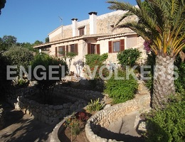 House with great outdoor area (Porto Cristo)