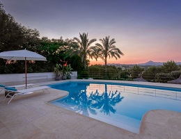 High quality villa in the evening light (Santa Ponsa)