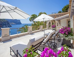 Villa with private sea access (Mallorca)