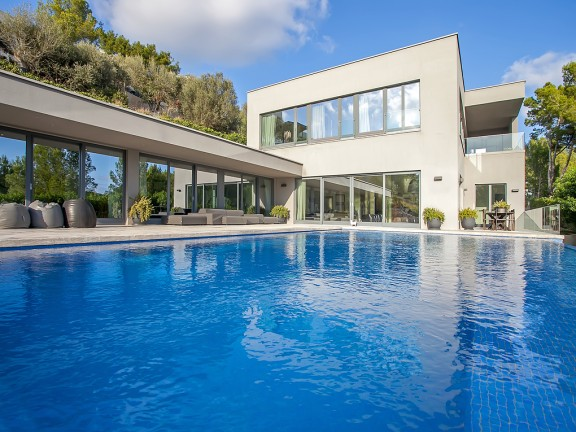 Villa for sale in one of the most sought after locations in Mallorca (Son Vida)
