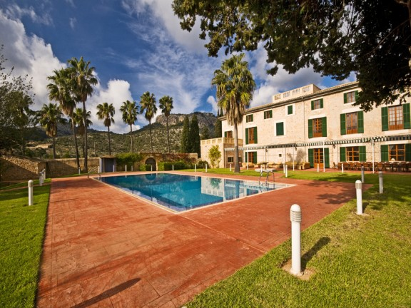 Impressive villa for sale with large property (Mallorca)